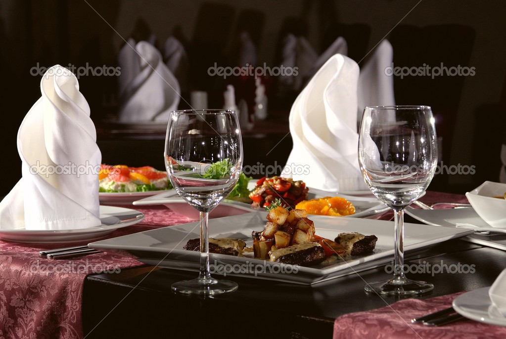 Table laid for dinner in modern restorant — Stock Photo #3153865