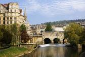 View of the Pulteney Bridge River Avon in Bath, England — Stock Photo