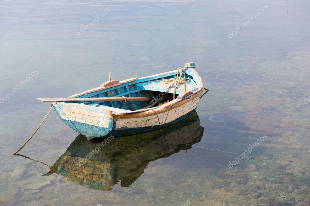 гребная лодка для моря и реки