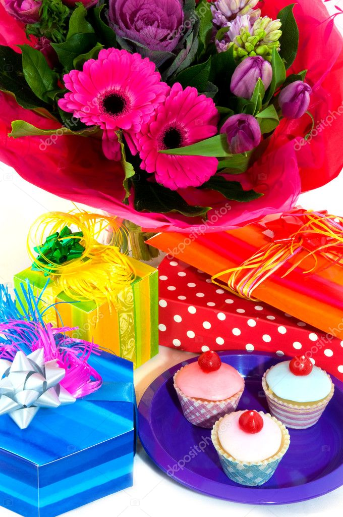 Happy birthday with fancy cakes presents and flowers — Stock Photo #3143867