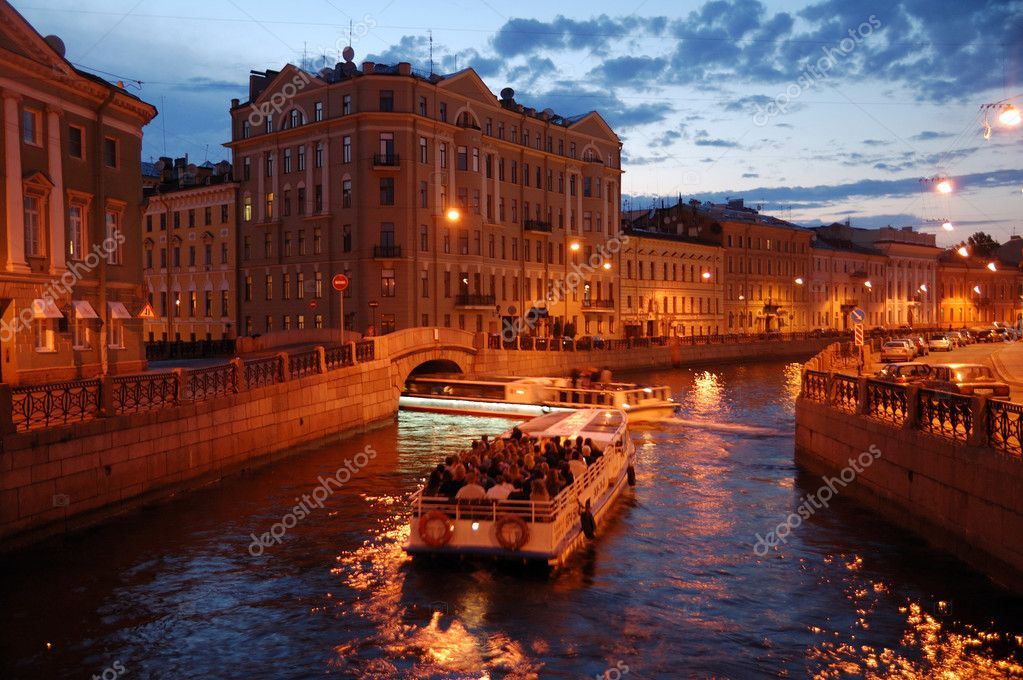 Night St. Petersburg canel trip — Stock Photo #3728857