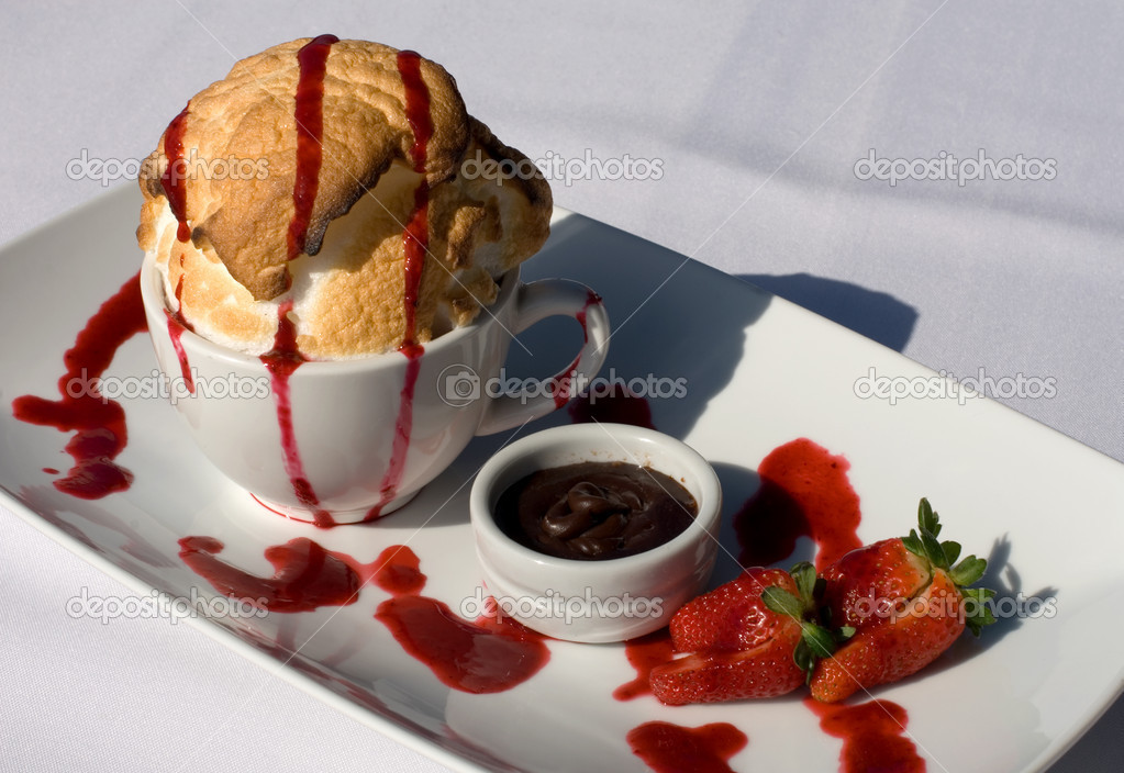Bombe Alaska, served with Dipping Chocolate and Strawberries, — Stock Photo #2717985