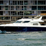 luksusowy port krążownik — Zdjęcie stockowe