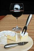 Sýry a víno — Stock fotografie