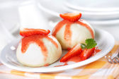 Dumplings with strawberry - knoedel — Stock Photo