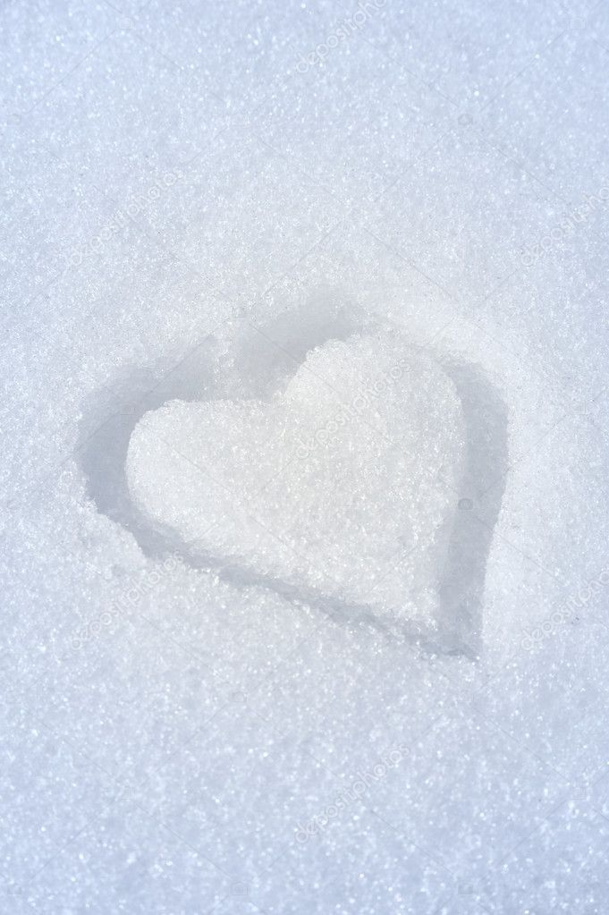 Heart on the snow — Stock Photo #2757232