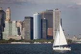 哈德逊河与纽约市天际线 — 图库照片