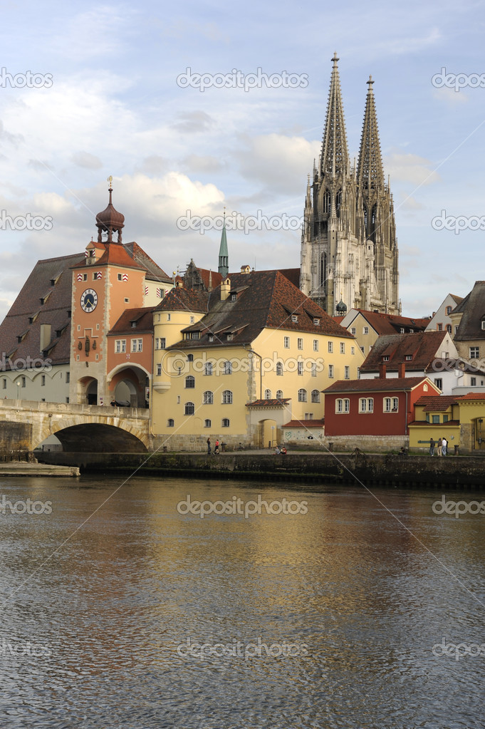 regensburg chat Lovoo is the place for chatting and getting to know people discover people nearby on the radar, find new friends, or the love of your life.