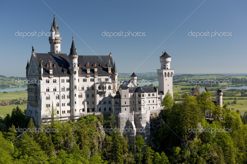 famous castle Neuschwanstein in upper bavaria, germany — Stock Photo #3342686