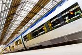Moderní vlak — Stock fotografie