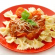 Farfalle with tomato sauce — Stockfoto