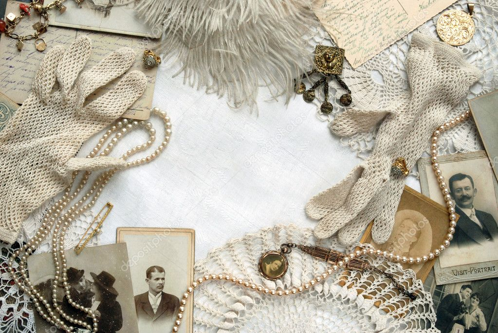 Vintage photos, gloves, postcards and other old-fashioned accessories  — Stock Photo #2780754