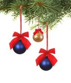 Branch with christmas balls — Stockfoto
