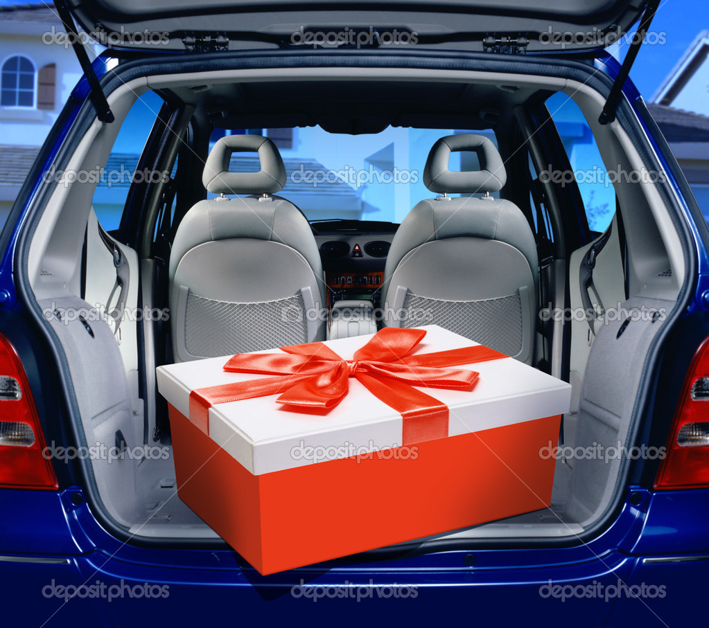 A fancy box in the passenger compartment of car — Stock Photo #2984591