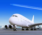 Avion de grands voyageurs dans l'aéroport — Photo