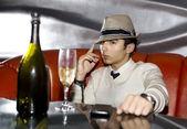 человек в ночном клубе — Стоковое фото