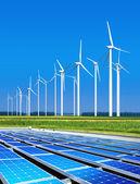环境无害的太阳能电池板 — 图库照片