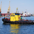 Towboat in the port — Stockfoto