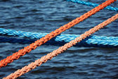Mooring ropes securing ships — Stock Photo