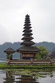 Bali. un tempio di bratan. — Foto Stock