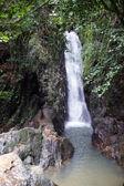 Cascadas en la selva. phuket. tailandia — Foto de Stock