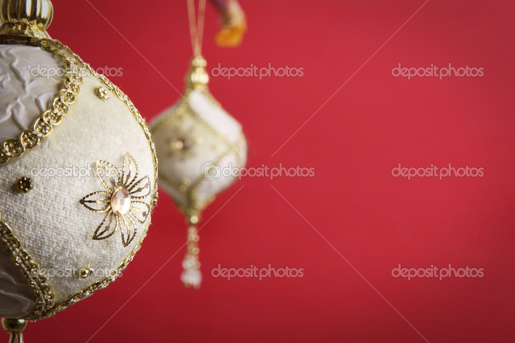 Gold and white christmas balls on red background,  — Stock Photo #4865700