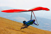 Hang glider flying in the Italian Apennines — Stock fotografie