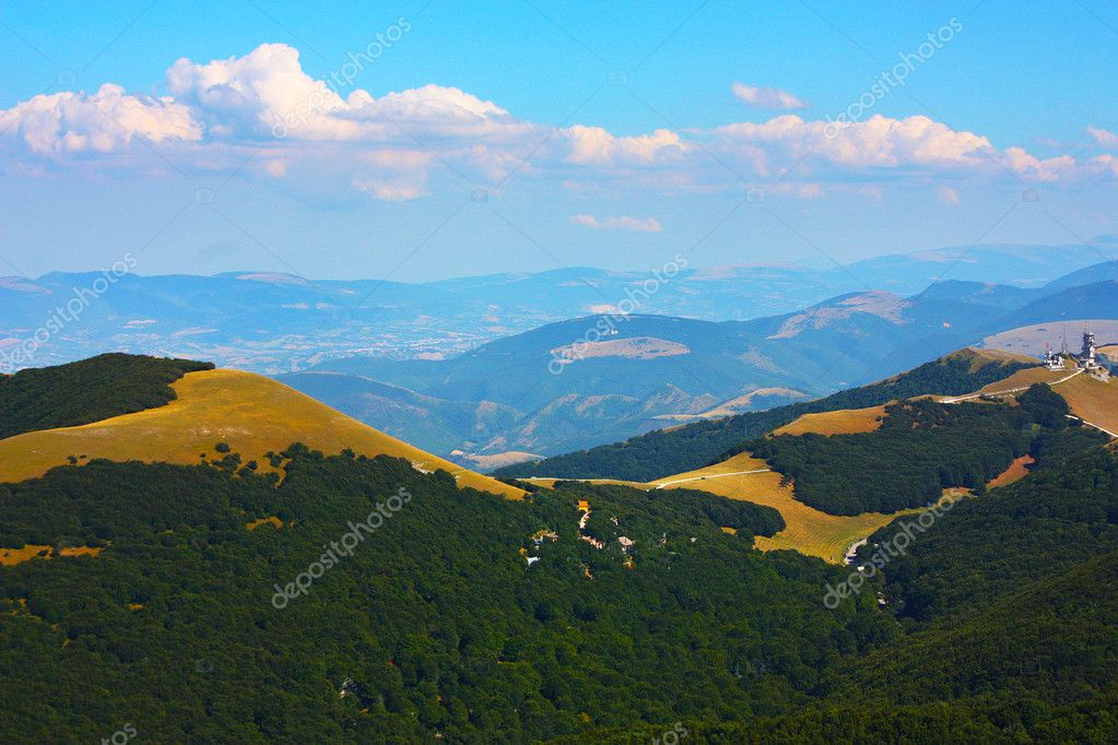 Apennines beauty taken in Italy on the Monte Cucco mountain — Stock Photo #3784167