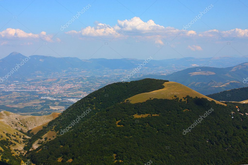 Apennines beauty taken in Italy on the Monte Cucco mountain — Stock Photo #3784223