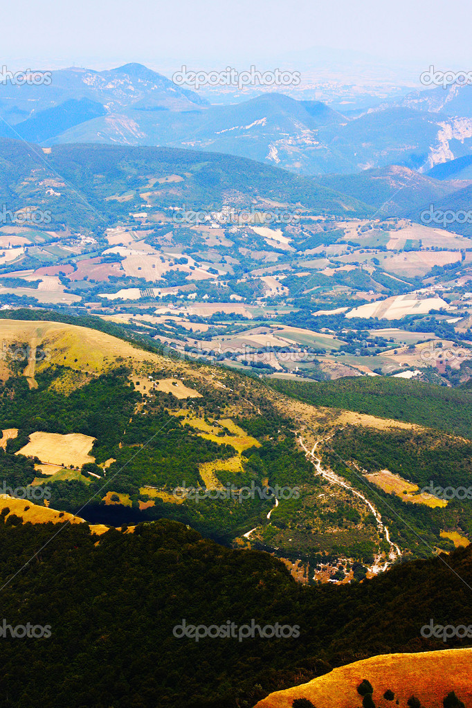 Apennines beauty taken in Italy on the Monte Cucco mountain — Stock Photo #3784236