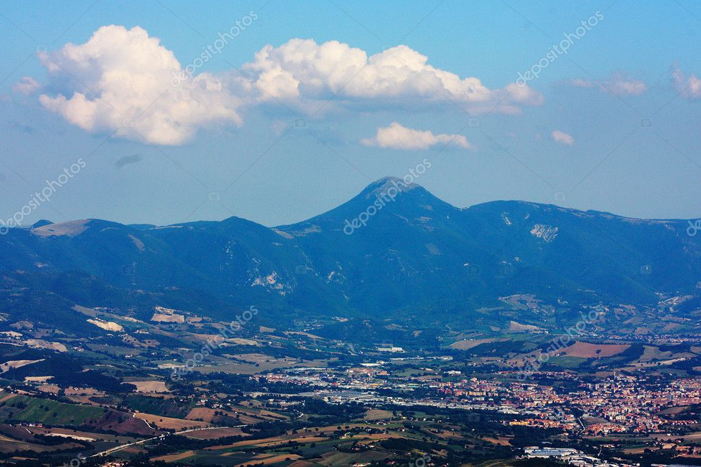 Apennines beauty taken in Italy on the Monte Cucco mountain — Stock Photo #3784253