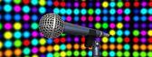 Mikrofon auf der bühne — Stockfoto