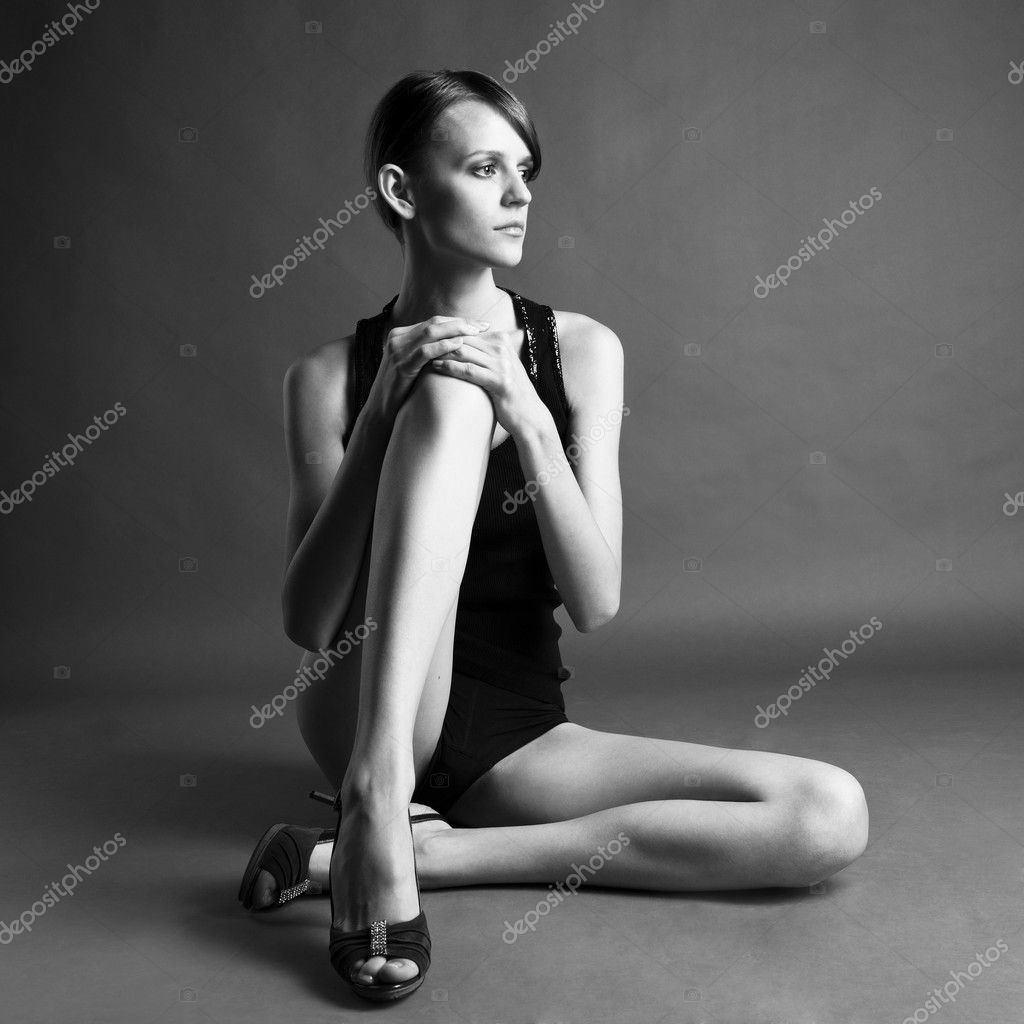 Черно белое фото длинноногие девушки 9 фотография