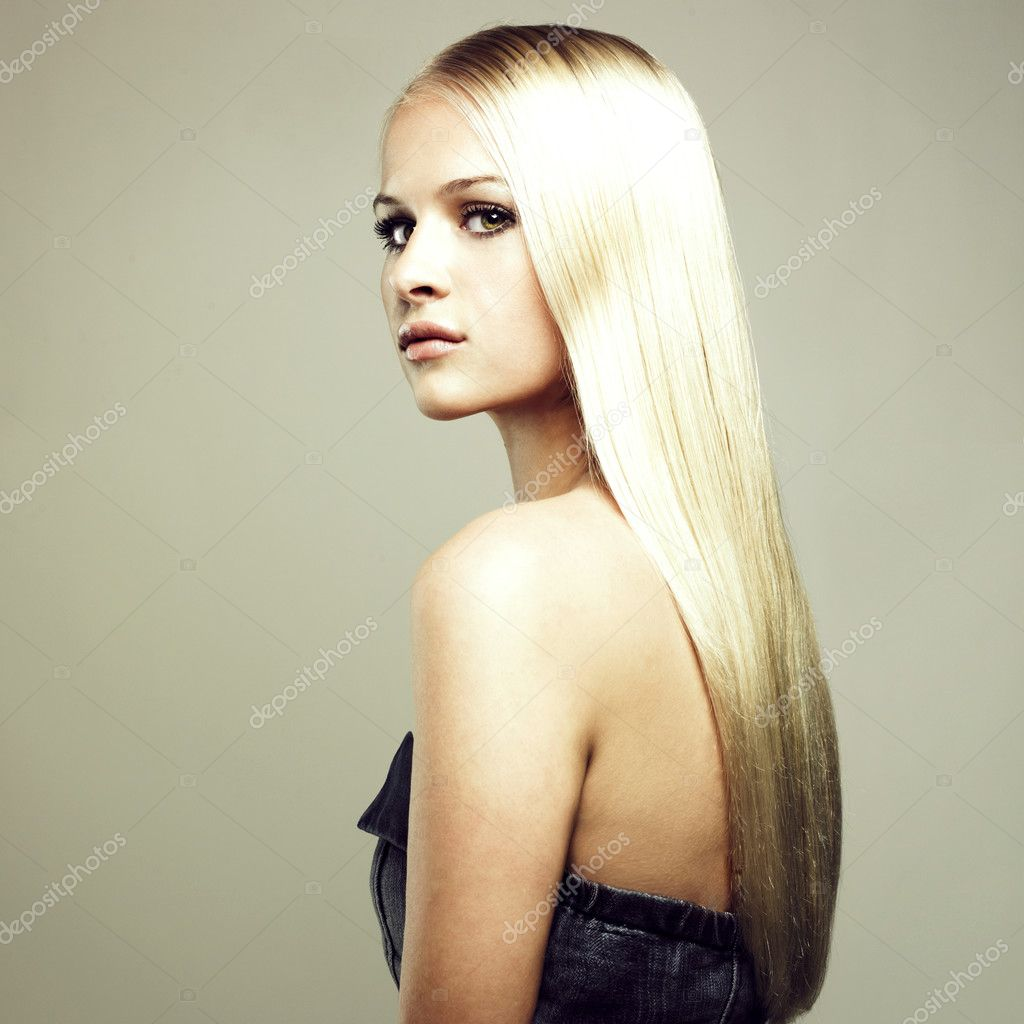 Photo of beautiful woman with magnificent hair — Stock Photo #3492370