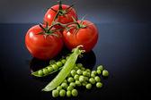 西红柿和青豆 — 图库照片