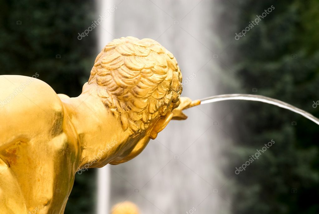 Male figure fragment of The Grand Cascade at Peterhof, Russia. The Lower Gardens. — Stock Photo #2724918