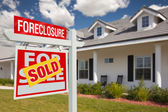 Sold Foreclosure Real Estate Sign, Home — Stock Photo