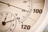 Round Thermometer Showing Over 100 Degrees — Stock Photo