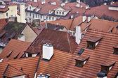 Kırmızı çatı binalar — Stok fotoğraf