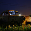 Abandoned rusted car wreck — Stock Photo