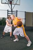 Basketball matchup — Stock Photo