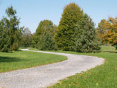 Walking path in a park — Stockfoto