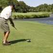 Man golfing on Hilton Head Island — Stock Photo