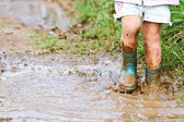 Child Playing in the Mud — Foto de Stock