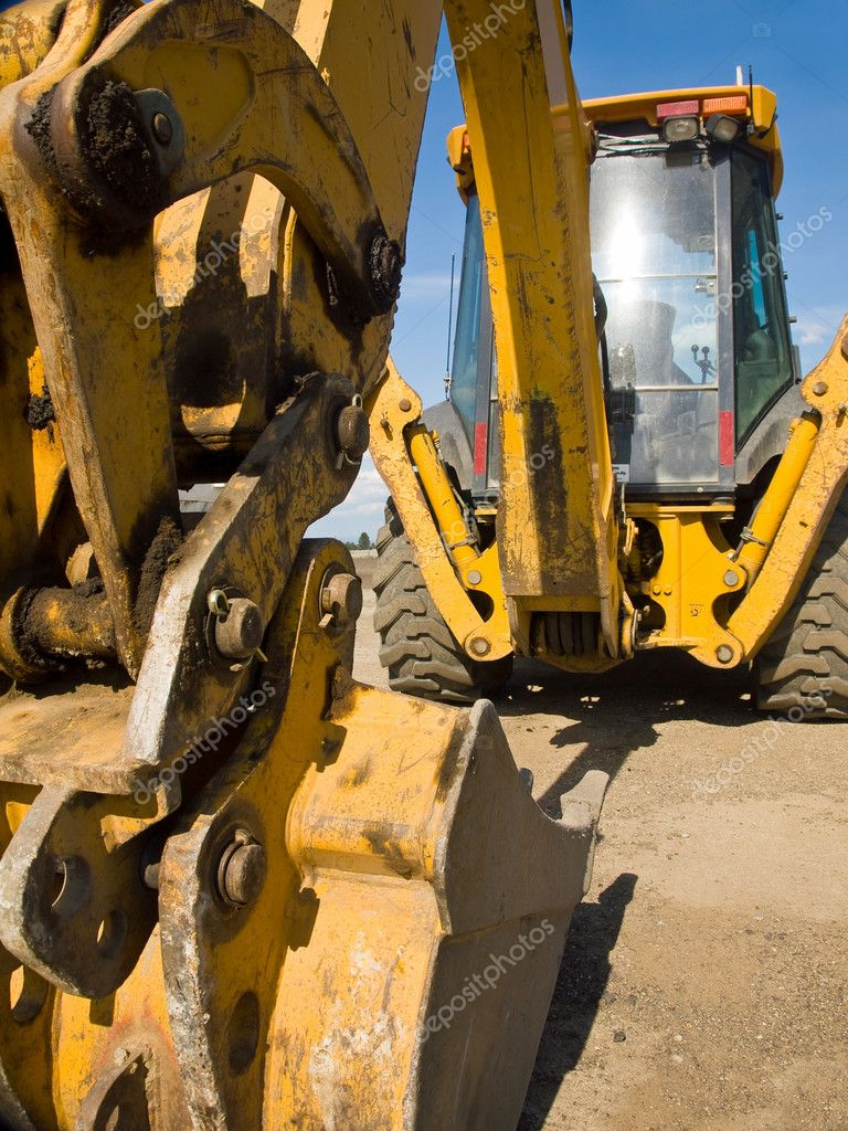 Heavy Duty Construction : Heavy duty construction equipment parked at work site