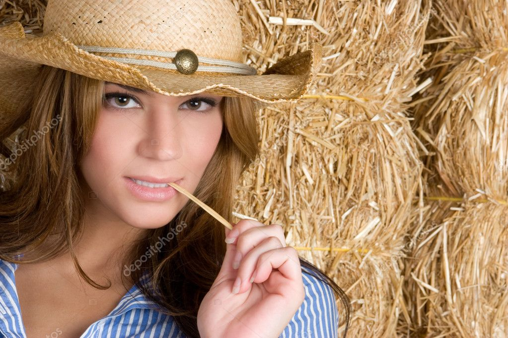 Sexy country woman in barn — Stock Photo #2920218