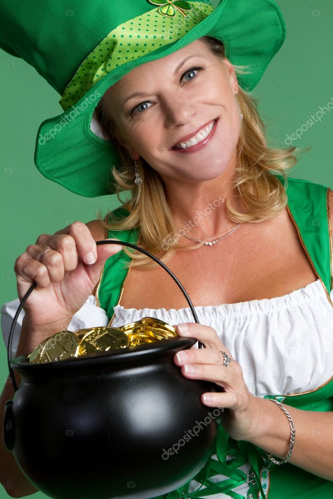 St patricks day woman holding gold — Stock Photo #3186741