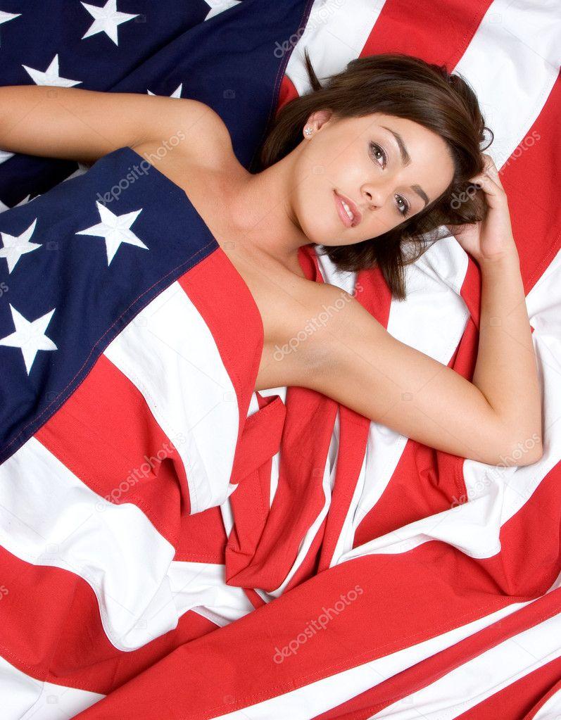 美丽的美国国旗的女人