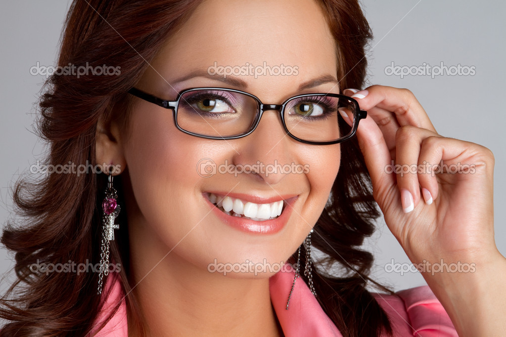 Beautiful smiling woman wearing eyeglasses — Stock Photo #3570303