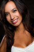 Latin kadın gülümsüyor — Stok fotoğraf